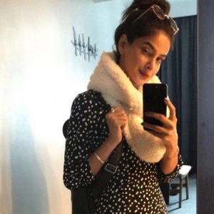 Celebrity Selfies! Here's how you can take a better selfie on weekend